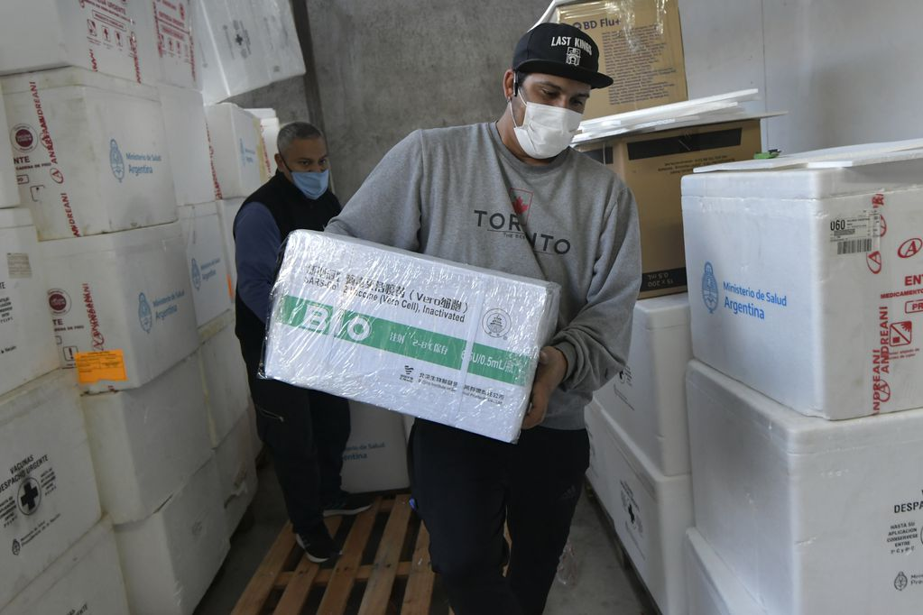 Nación envía otras 21.200 vacunas Sinopharm a Mendoza