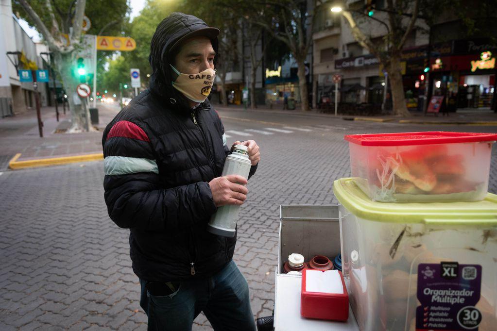 Los cafeteros caminan las calles céntricas de todos los departamentos. Foto: Ignacio Blanco / Los Andes