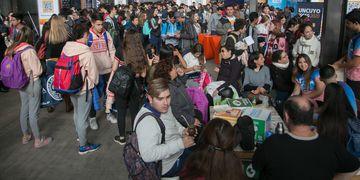 Más de 30.000 personas visitaron y recorrieron los stands, talleres y food trucks.