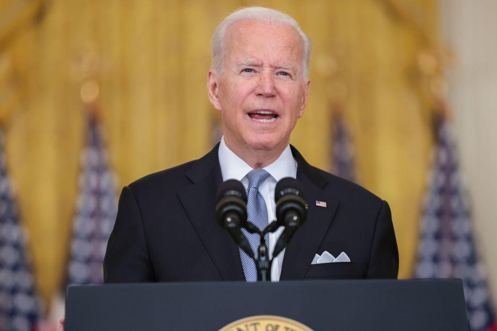 Biden anuncia la obligación de vacunarse contra el coronavirus para los empleados federales. Los Andes