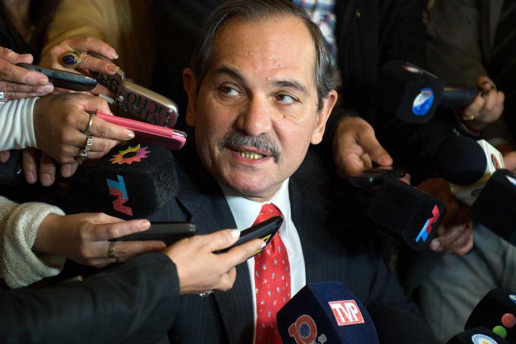 El senador nacional pidió licencia para seguir adelante con la defensa luego de una acusación por abuso sexual.