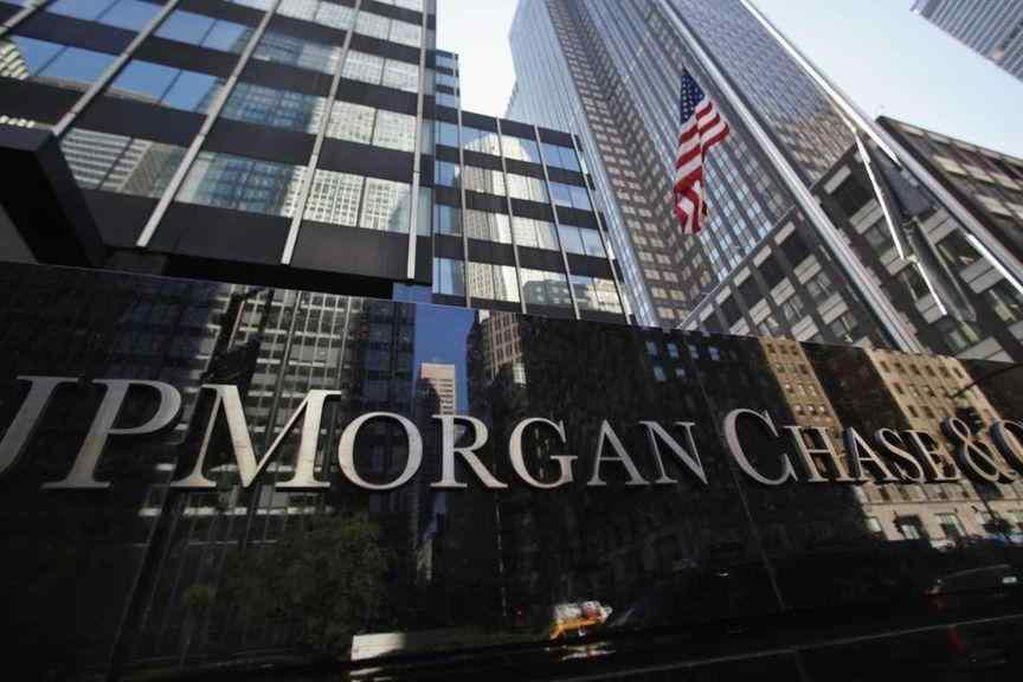 El banco más importante del mundo busca empleados en Argentina y promete sueldos de $200.000 y bonos en dólares