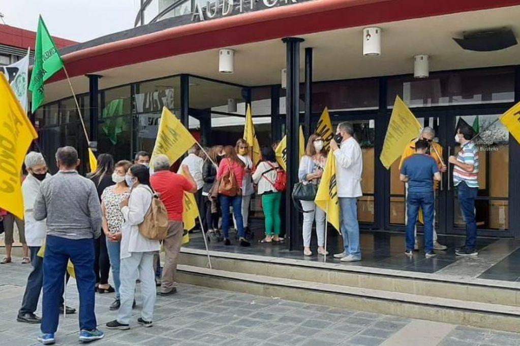 Ampros pide que amigos y familiares se manifiesten el jueves por los salarios de los trabajadores de la Salud