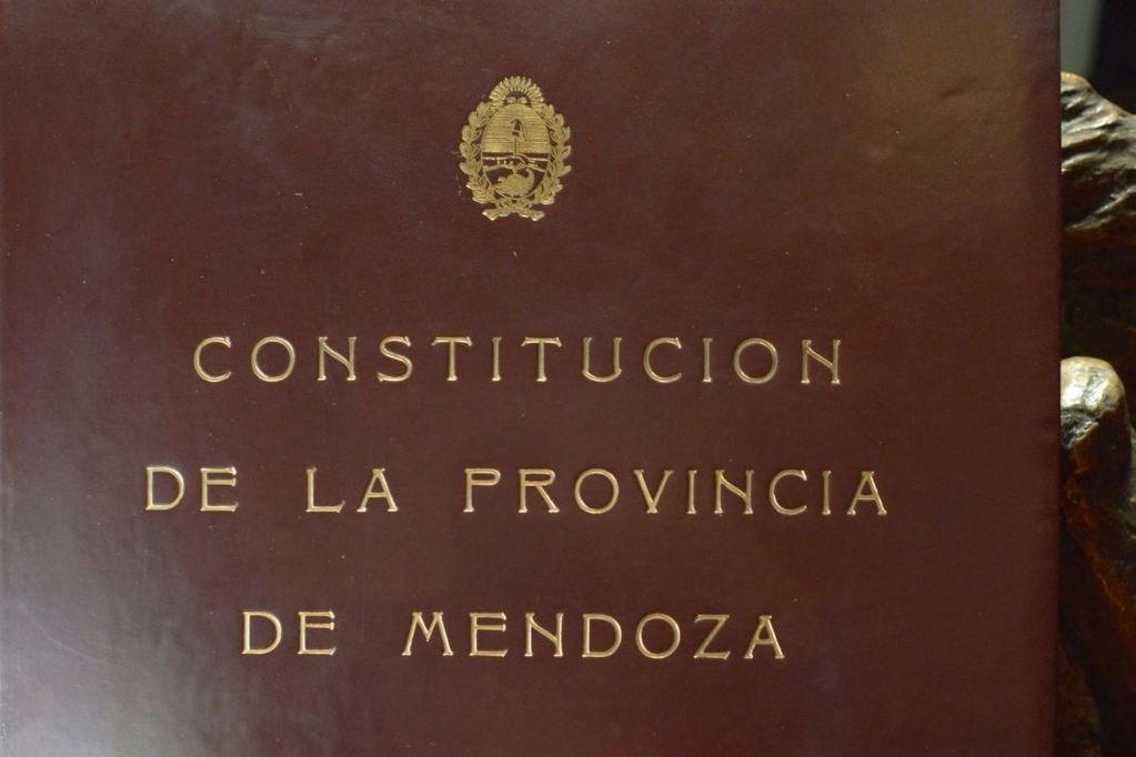 """La reforma constitucional """"de abajo"""" en Chile y la """"de arriba"""" en Mendoza"""