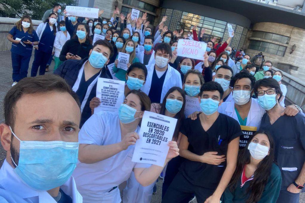 Reclamo de médicos residentes hospital Central