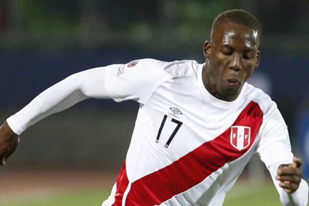 Boca arregló la cláusula por Advíncula: cuándo llega el defensor peruano a la Argentina