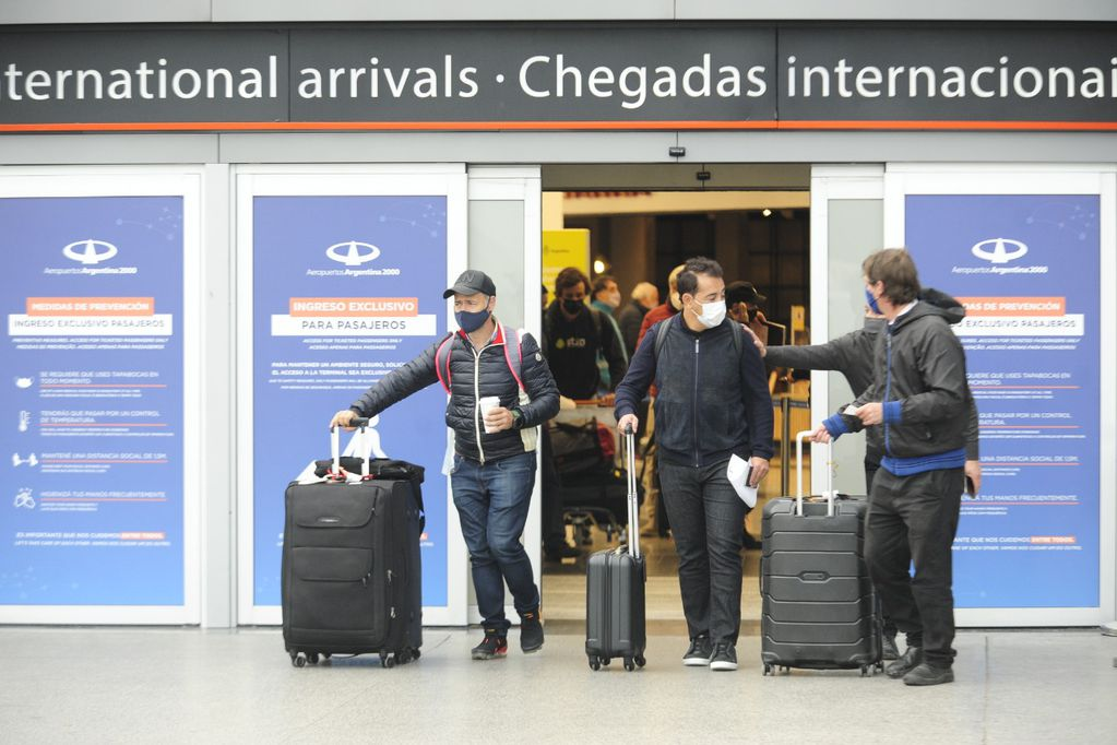 Los argentinos que viajaron al exterior por trabajo ya no deberán hacer cuarentena al regresar al país