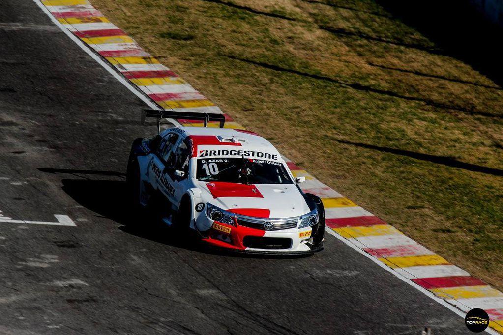Azar sigue en lo más alto del campeonato de Top Race
