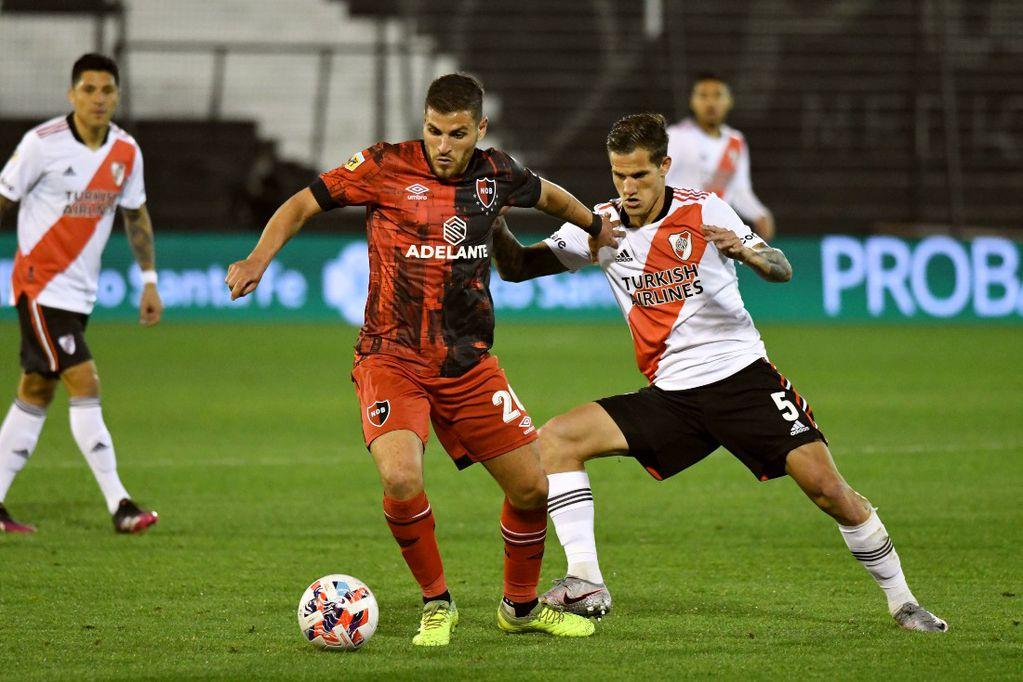 Una exhibición Millonaria: con goles de De La Cruz, Álvarez en dos oportunidades y Carrascal,  River goleó a Newell's por 4-1