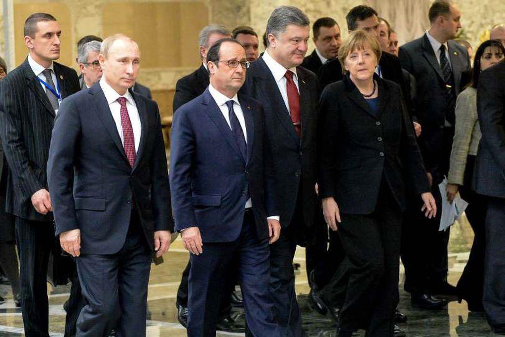 Tensas negociaciones para lograr un acuerdo de paz en Ucrania