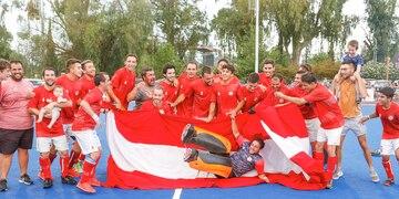 Los Rojos sumaron su décima copa tras ganar el Clausura y el Mendocino. Un año inolvidable.