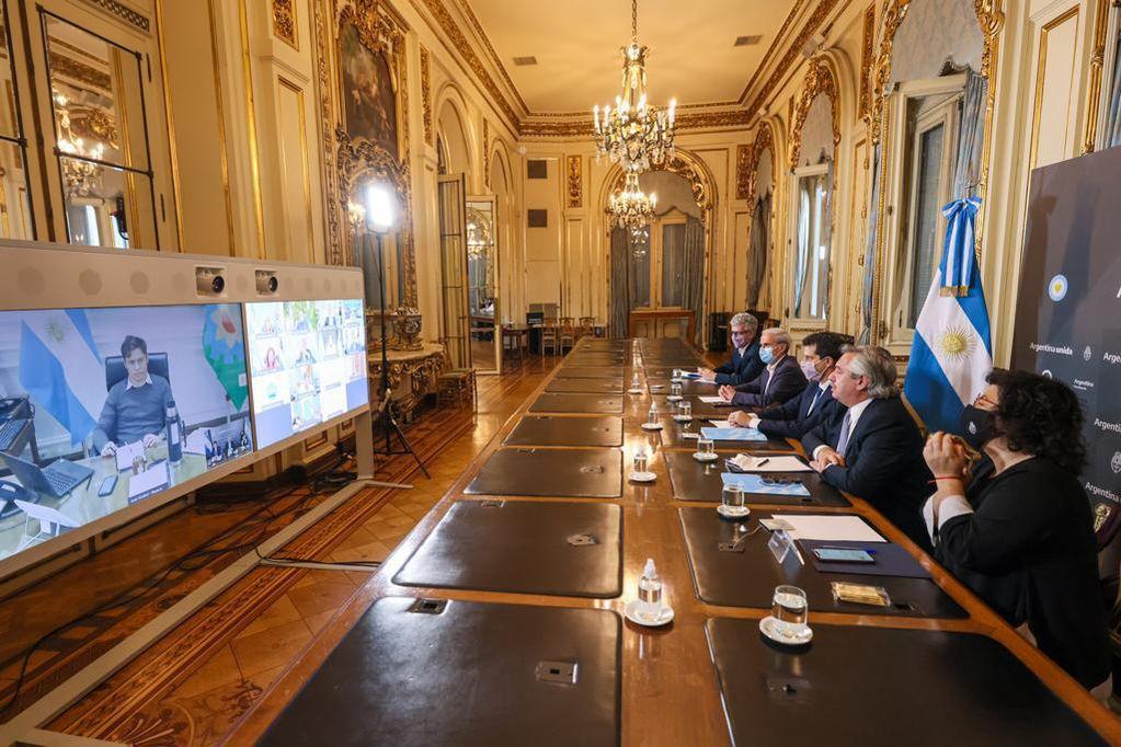 El presidente Alberto Fernández se reunió virtualmente con gobernadores para tomar medidas frente a la segunda ola.