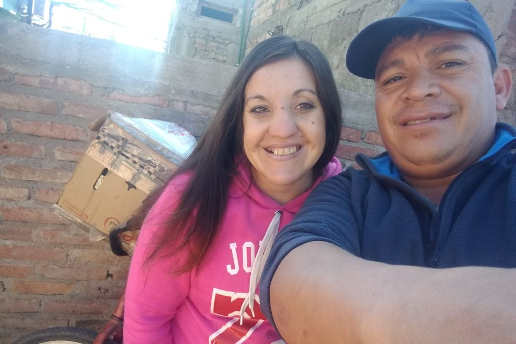 Melina y Pablo: el matrimonio que regala pan y tortitas recibió un gesto de solidaridad desde España