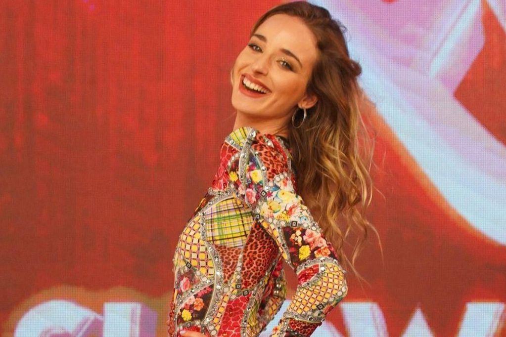 Tiene 23 años, es profesora de danza y modelo.