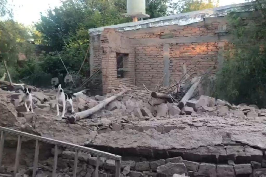 Daños en una vivienda de Las Heras tras el sismo en San Juan - Tw @radiomitremza