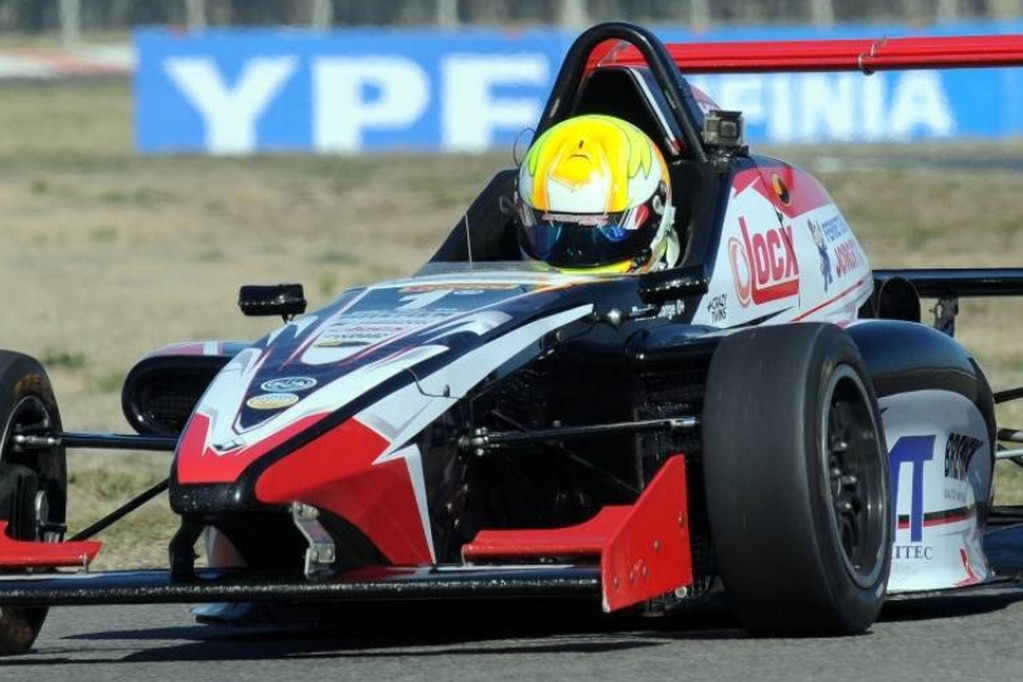 Barrio se tomó revancha y ganó en la Fórmula Renault 2.0 en Toay