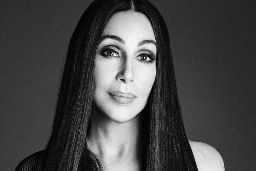 Cher cumple 75 años y luce espléndida