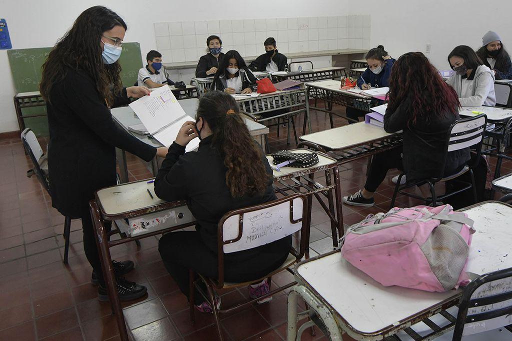 Casi 170 mil estudiantes volverán a clases con presencialidad absoluta
