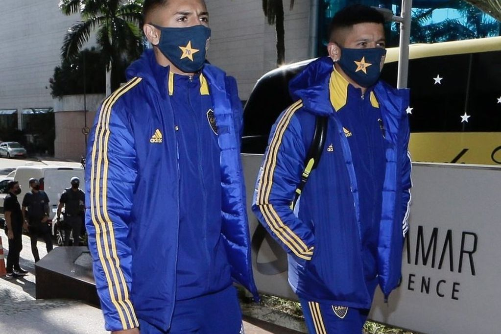 Boca, con la cabeza en Santos y en el Superclásico, ya está en Brasil