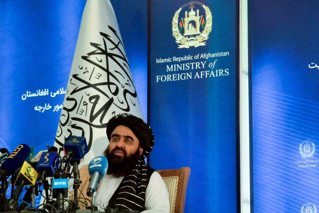 """Los talibanes agradecen al mundo la ayuda prometida y piden a EE.UU. que sea """"más generoso"""""""