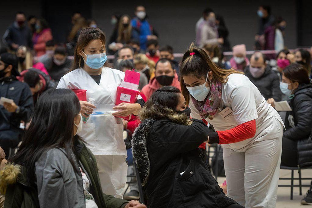 Durante este fin de semana se avanzó con la vacunación de personal del sector turístico mendocino.