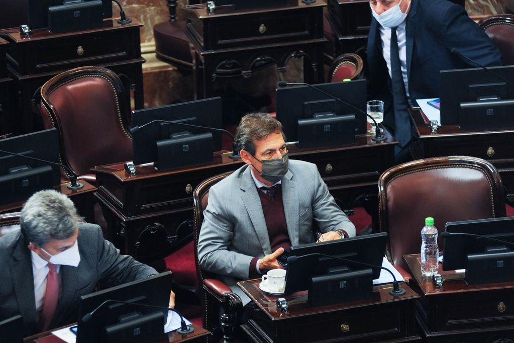 Luis Naidenoff encabezó la nota de la oposición para reclamar la vuelta a la presencialidad. Foto: Federico López Claro - Corresponsalía