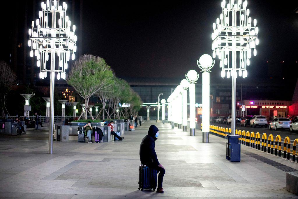 China levanta la cuarentena en Wuhan y los ciudadanos pueden salir tras 76 días aislados