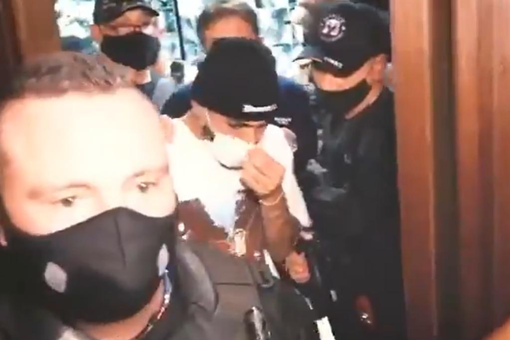 El delantero del Flamengo fue detenido tras un operativo en un casino clandestino de San Pablo.