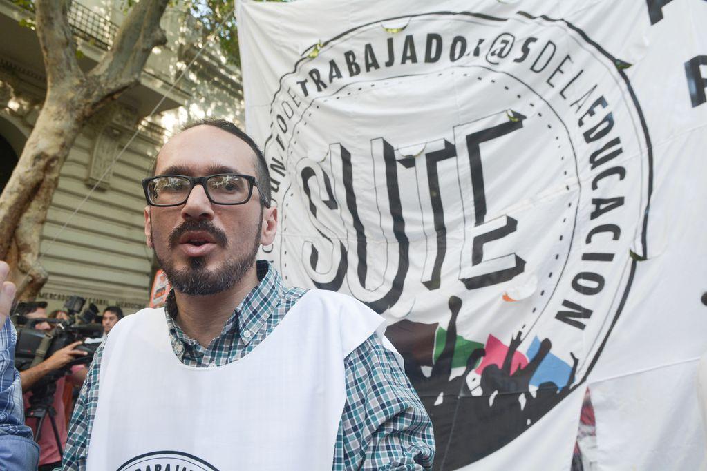 Una denuncia que complica el futuro de Sebastián Henríquez