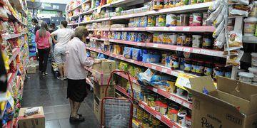 Jubilados compra supermercado