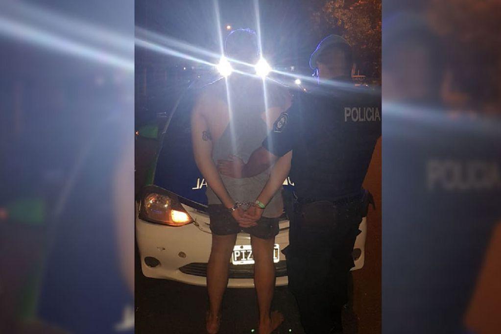 Lo detuvieron tras exhibir sus genitales, orinar y manosear a una joven en Mar del Plata