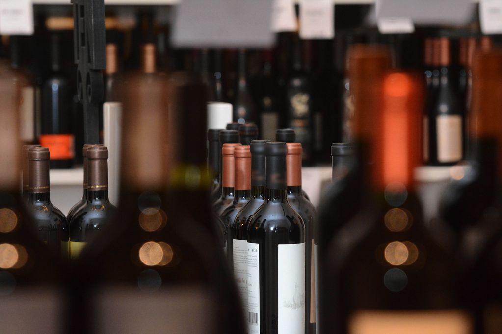 """""""Sour Grapes"""": la historia del hombre que estafó a la industria del vino y llegó a Netflix"""