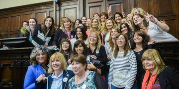 Un repaso por la lucha de las mujeres por el derecho a votar y a ser votadas.