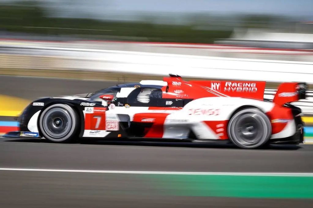"Pole position para ""Pechito"" López en Le Mans"