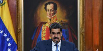 Cruce. Maduro se enfrentó también a Portugal. AFP