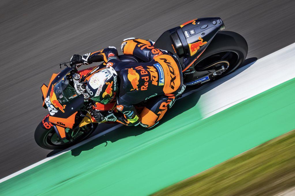 Oliveira dominó los ensayos del viernes de MotoGP