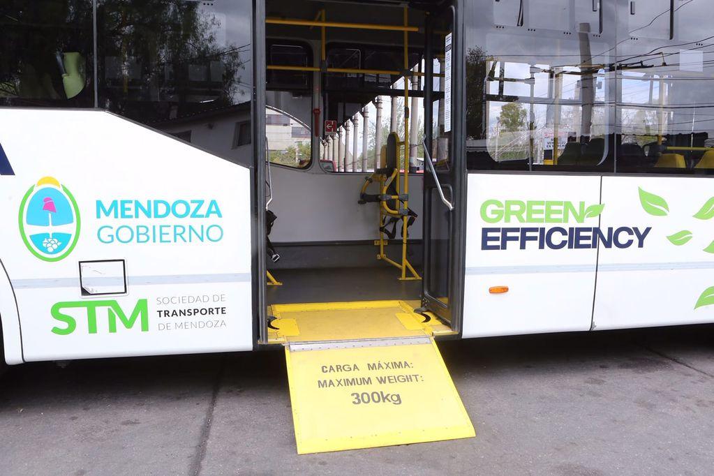 Uno de los colectivos a GNC que está a prueba en Mendoza.