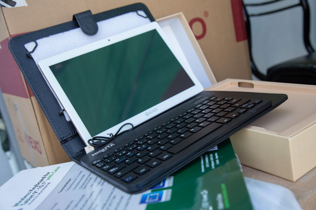 La UNCuyo entregó 250 tablets a estudiantes universitarios con dificultad de acceso a la conectividad
