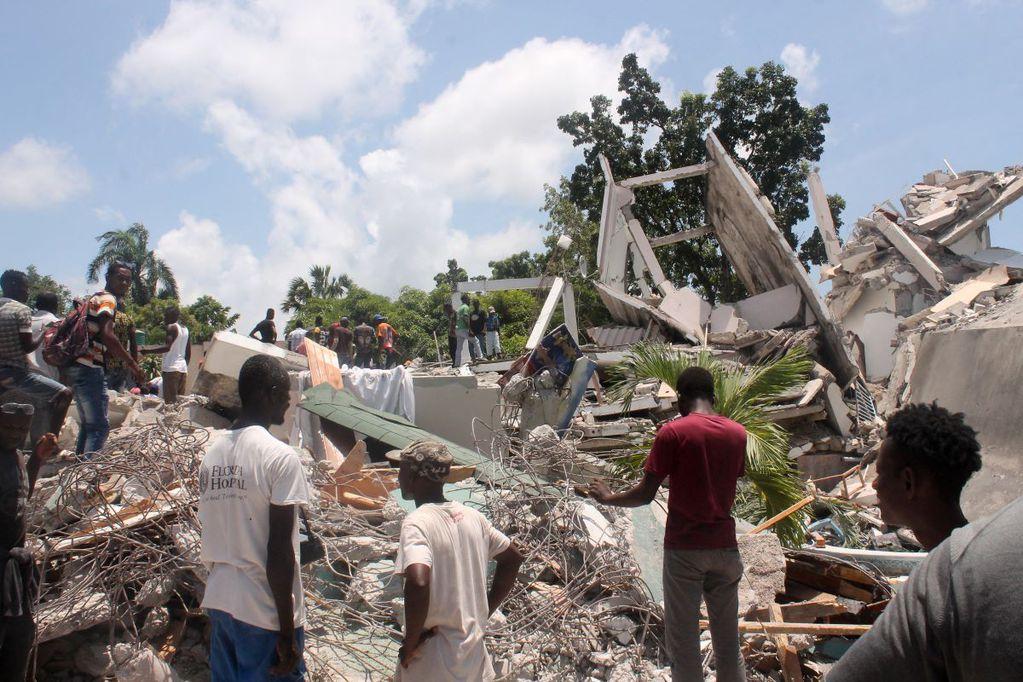 Sismo en Haití: contabilizan 724 muertos y más de 2.800 heridos