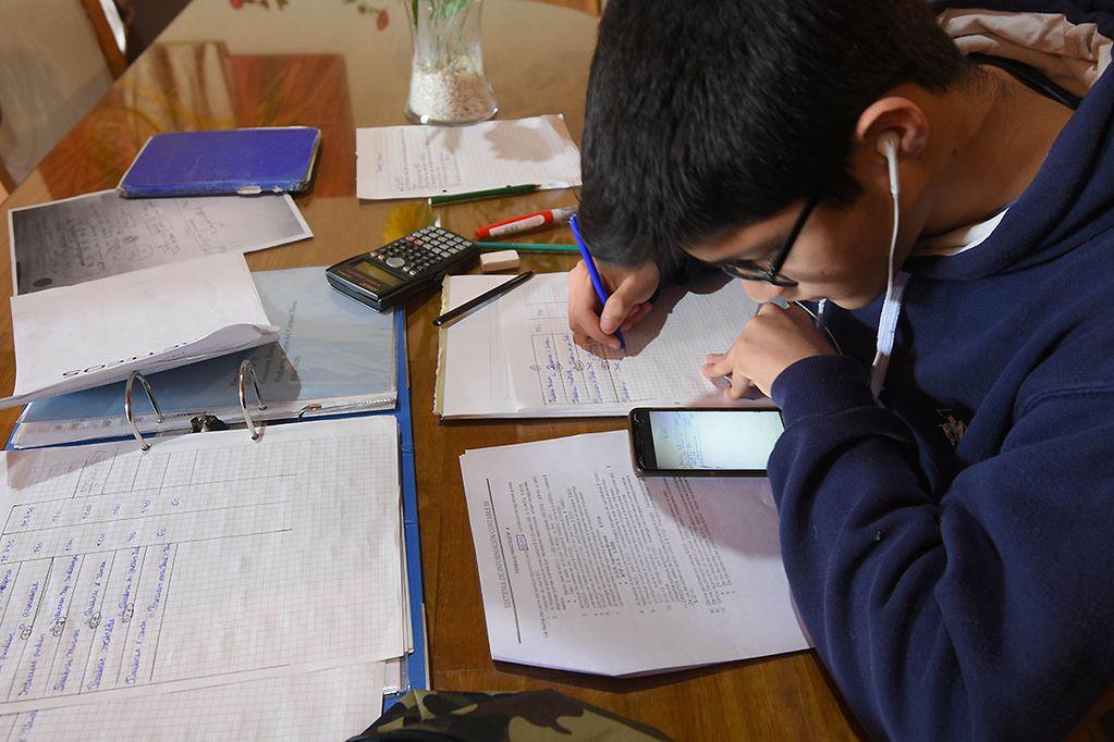 La conectividad en el hogar fue puesta a prueba desde el inicio de la pandemia. Foto: José Gutiérrez / Los Andes