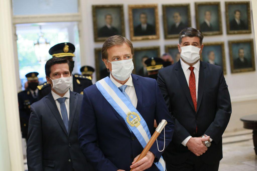 La reforma de la Constitución, uno de los objetivos políticos de Suárez, demorará al menos dos años.