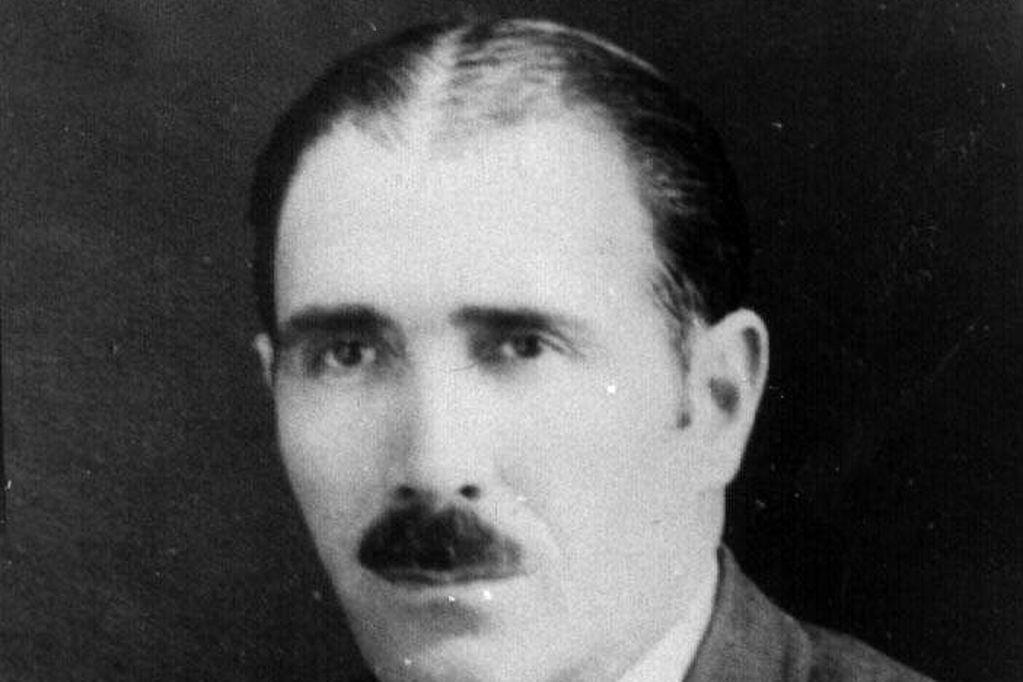 Miguel Martos tuvo, entre sus múltiples oficios, el de colaborador de este diario.