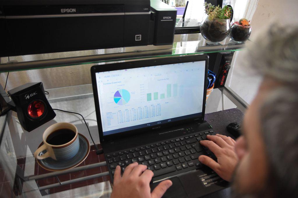 Plan Mi Compu Anses: cómo obtener $300.000 para comprar una computadora Foto: Mariana Villa / Los Andes