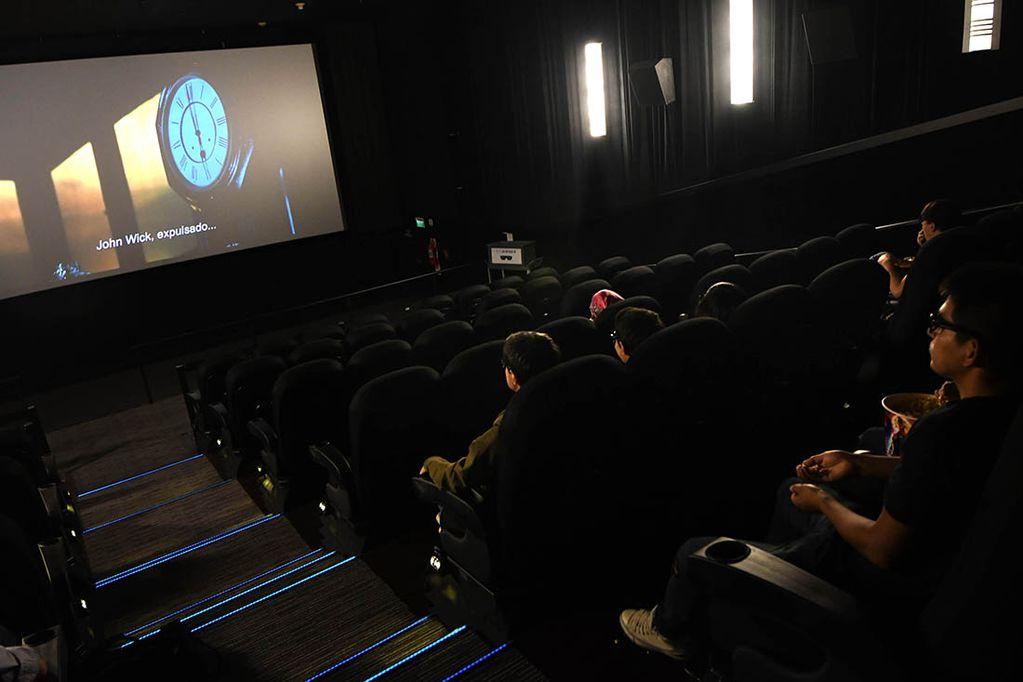 Cine. El bono de $5.000 incluye la posibilidad de ir a ver una película. (Claudio Gutiérrez / Los Andes)