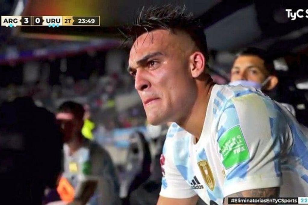 El delantero del Inter no pudo contener su emoción al salir del campo de juego.