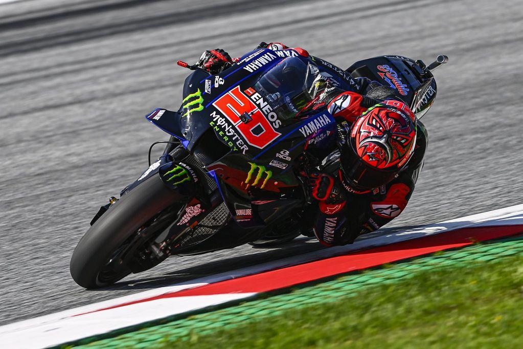 Quartararo lideró una accidentada jornada de MotoGP en Silverstone