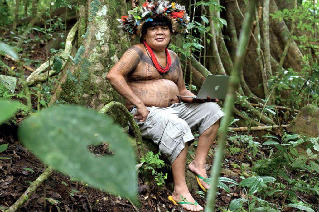 El jefe indio que movilizó a Google contra la deforestación