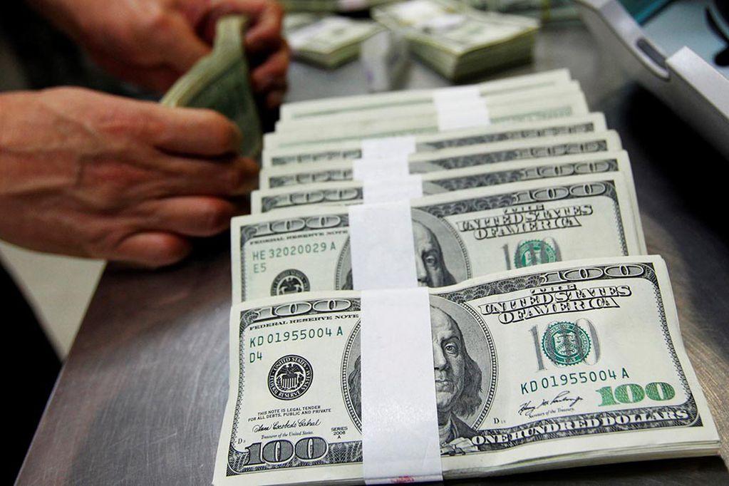 Se aceleraron en julio las compras de dólares oficiales, alcanzando los 125 millones de dólares, un 65% más que en junio.
