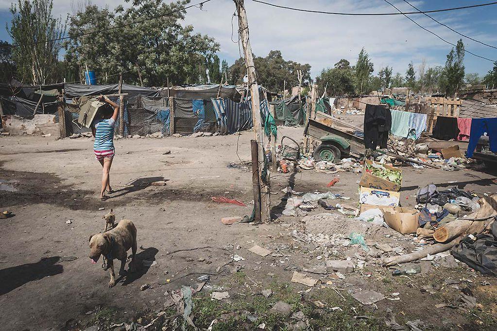 A diferencia del dato del país, en Mendoza la pobreza creció casi 2%. Foto: Ignacio Blanco /  Los Andes