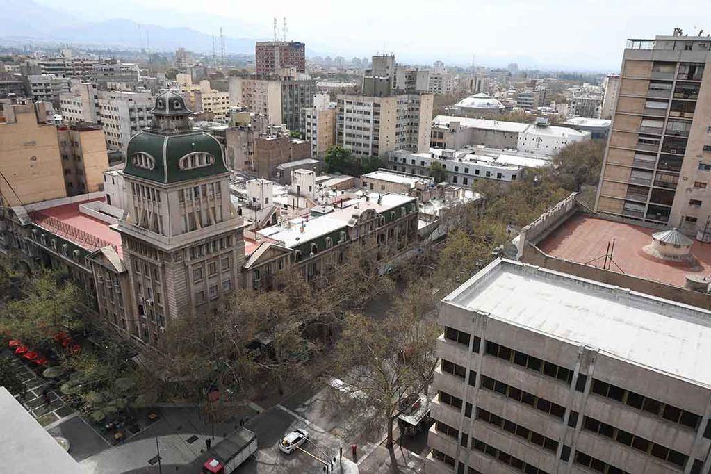 Vista aérea de la Ciudad de Mendoza - José Gutiérrez / Los Andes